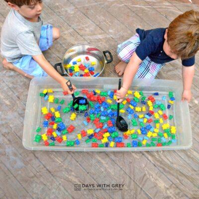 Water sensory bin for preschoolers