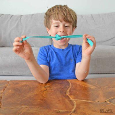kindergarten tying knots