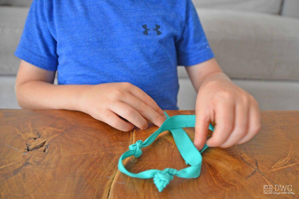 Kindergarten knot tying