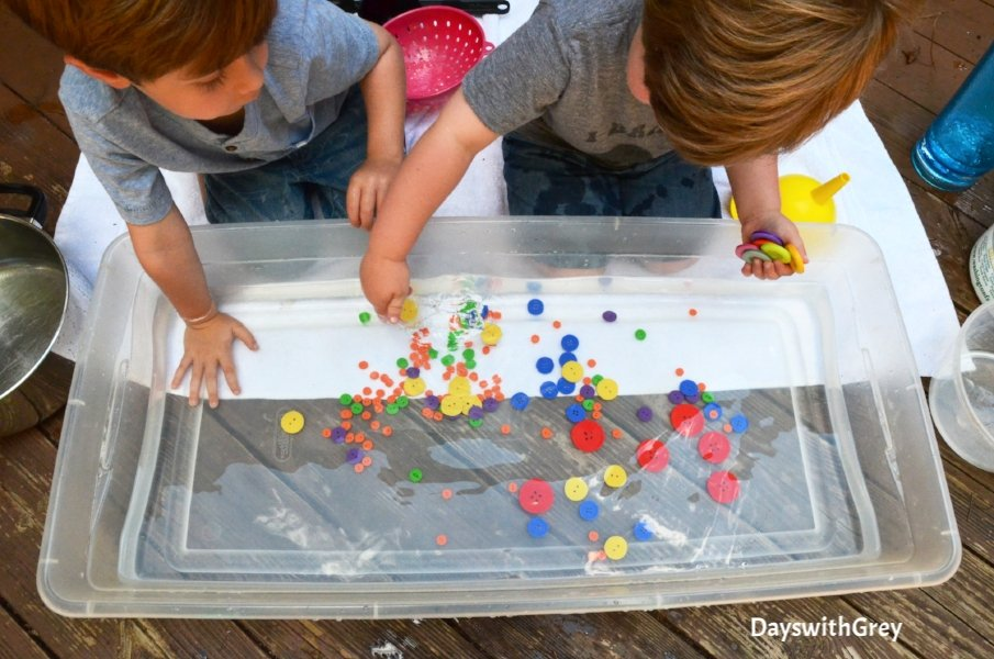 sensory water play for preschoolers