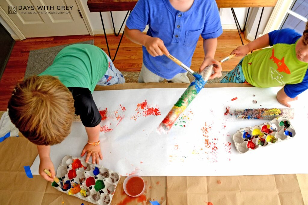 Kids painting bubble wrap